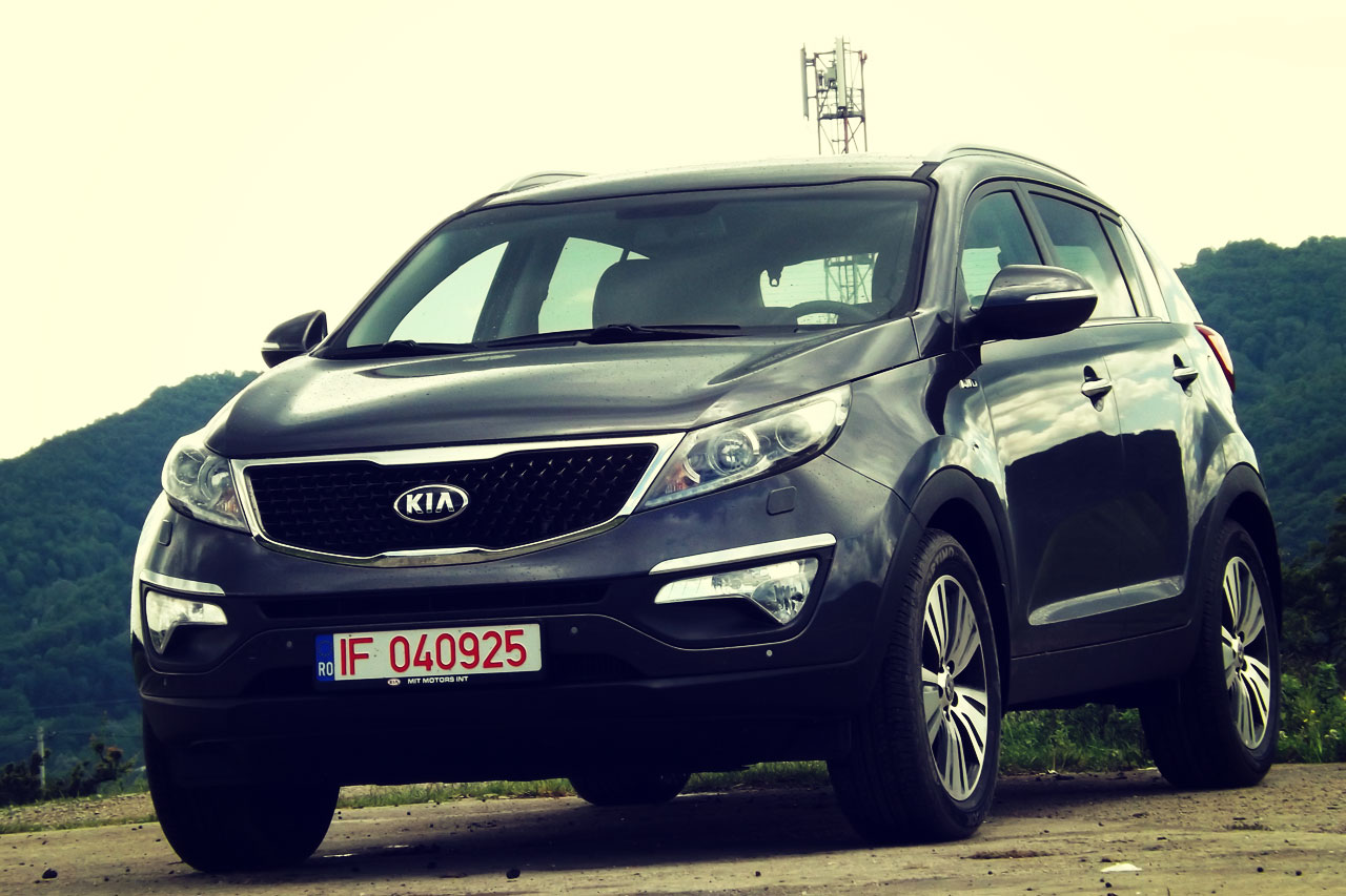 test de anduran kia sportage facelift 2 0 dsl world cup 2014 episodul i auto testdrive. Black Bedroom Furniture Sets. Home Design Ideas