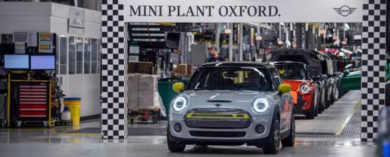 MINI Cooper SE - 11.000 unităţi produse