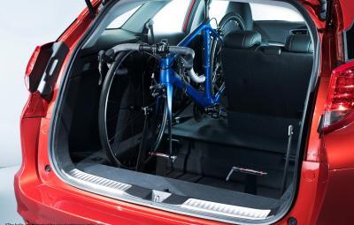 Honda Civic Tourer - In-car Bicycle Rack