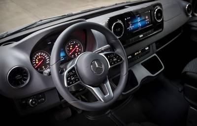 Mercedes-Benz - istoria interiorului
