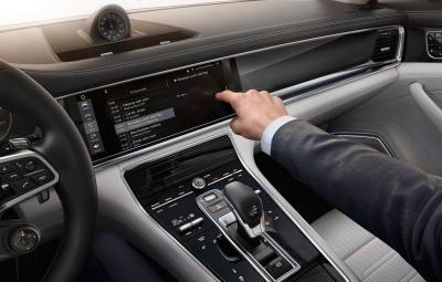 Noul Porsche Panamera - PCM