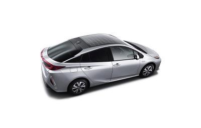 Prius Plug-in Hybrid cu acoperis solar