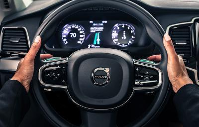 Volvo Uber - parteneriat masini autonome