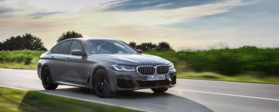 Noul BMW 545e xDrive (01)