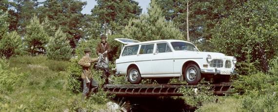 Volvo 220 Amazon (01)