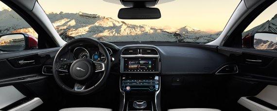 Jaguar XE (03)