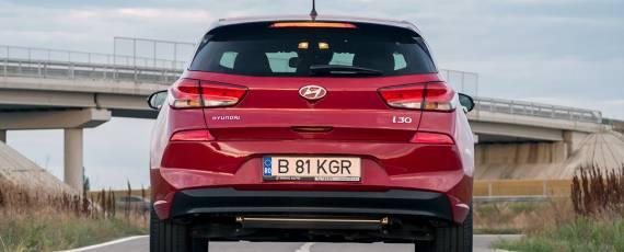 Test Hyundai i30 1.4 DIG-T 7DCT (06)