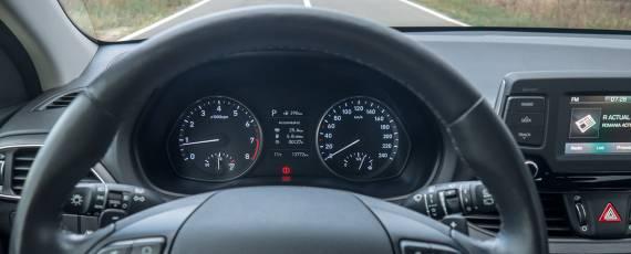 Test Hyundai i30 1.4 DIG-T 7DCT (22)