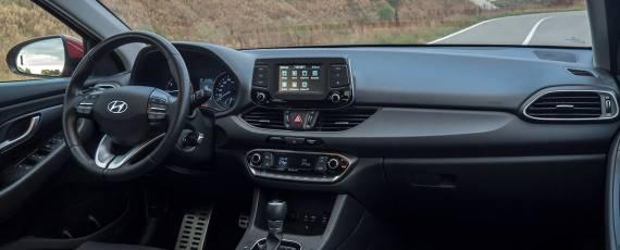 Test Hyundai i30 1.4 DIG-T 7DCT (16)