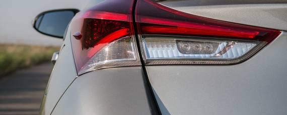 Test Toyota Auris Hybrid Black Edition (05)