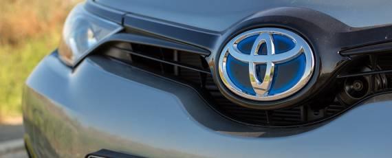 Test Toyota Auris Hybrid Black Edition (06)