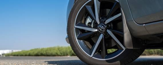 Test Toyota Auris Hybrid Black Edition (13)