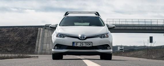 Test Toyota Auris Hybrid facelift (02)