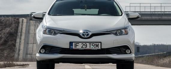 Test Toyota Auris Hybrid facelift (03)