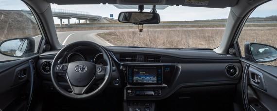 Test Toyota Auris Hybrid facelift (13)