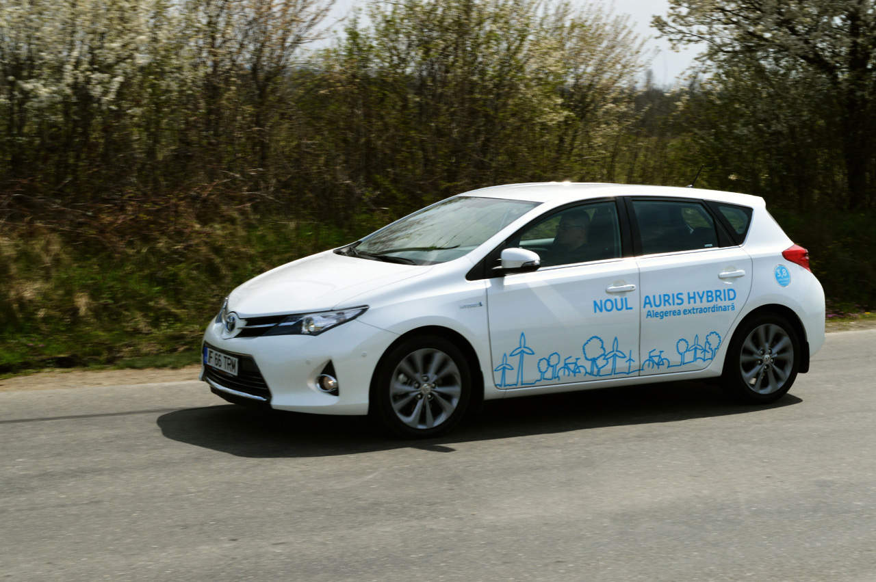 test drive noua toyota auris hybrid sol auto testdrive. Black Bedroom Furniture Sets. Home Design Ideas