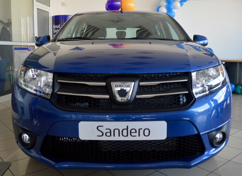 test drive dacia sandero 0 9 tce 90 cp laureate auto. Black Bedroom Furniture Sets. Home Design Ideas
