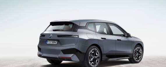 Noul BMW iX (03)