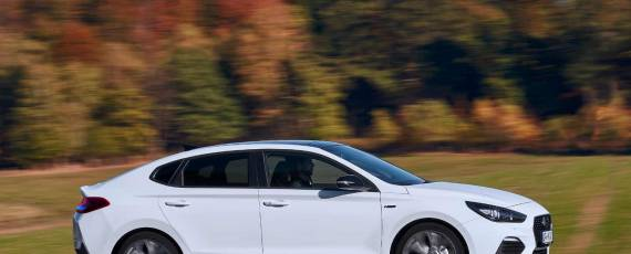 Hyundai i30 Fastback N Line (01)