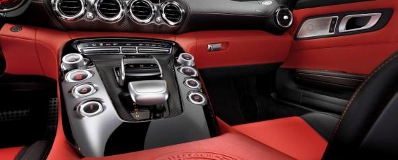 Noul Mercedes-AMG GT interior