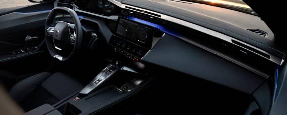 Noul Peugeot 308 SW HYBRID (03)
