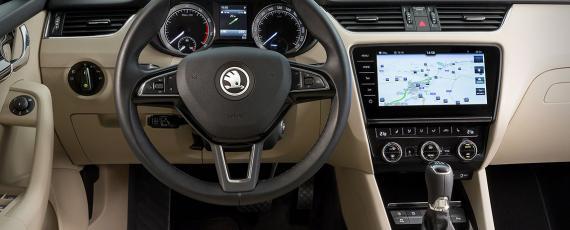 SKODA Octavia facelift 2017 (04)