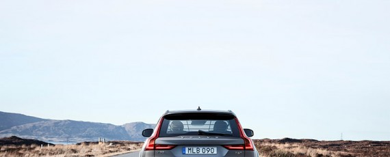 Volvo V90 Cross Country (09)