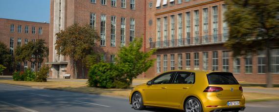 Volkswagen Golf 7 facelift (02)